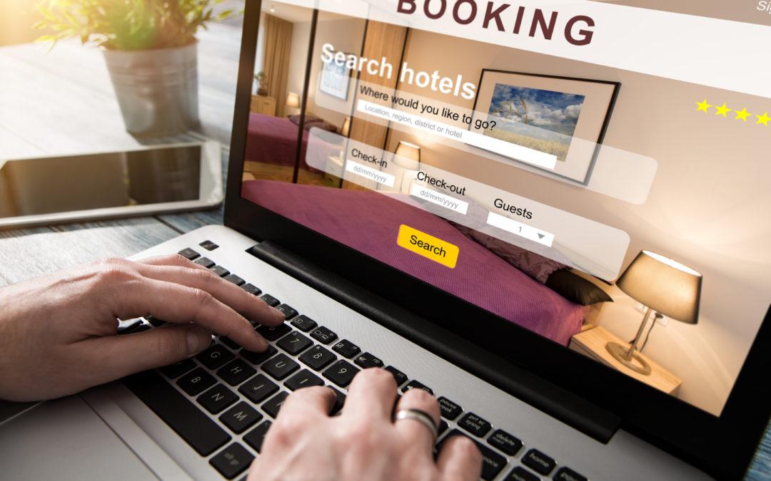 Rezerwacja hoteli co ma biuro podróży a czego nie ma booking.com na dojazd własny